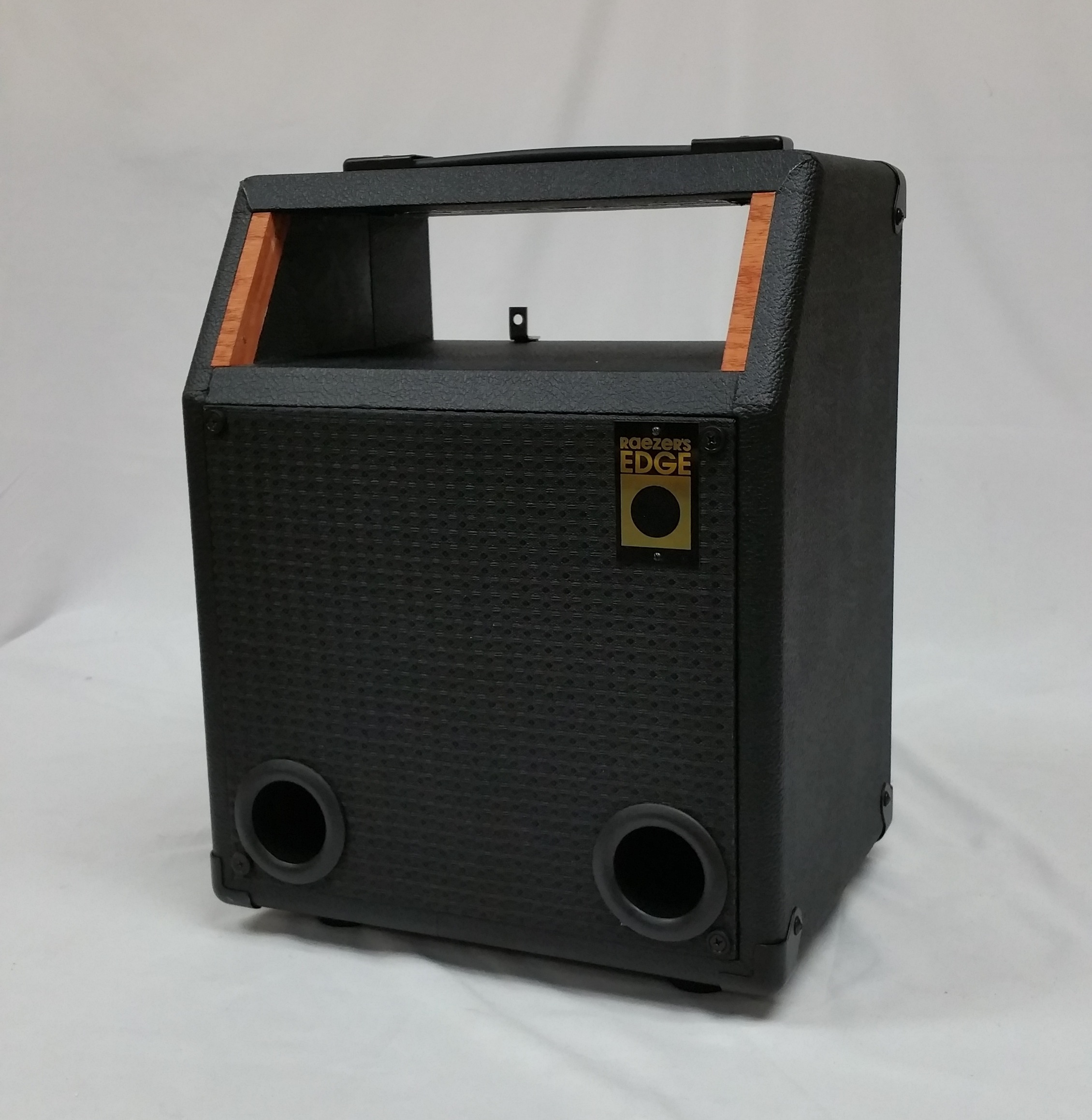 Raezer's Edge NY8 Combo Speaker Cabinet (Includes Cover)