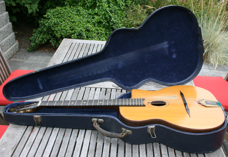 1951 Selmer Petite Bouche Guitar #863 with ORIGINAL Hardshell Case